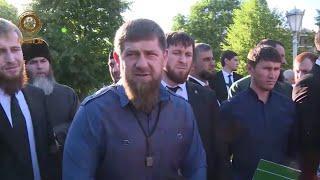 Рамзан Кадыров 50 семей получили квартиры от РОФ им. Ахмат-Хаджи Кадырова.