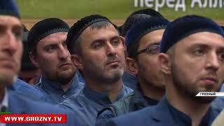 Рамзан  Кадыров вручил дипломы первому выпуску студентов-теологов РИУ имени  Кунта-Хаджи Кишиева