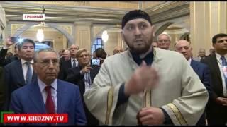 Рамзан Кадыров провел экскурсию по достопримечательностям Грозного для иностранных гостей