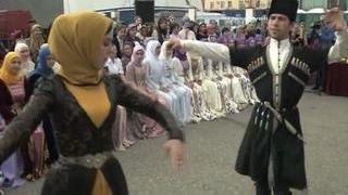 День города в Грозном: песни, пляски и бои монахов Шаолиня