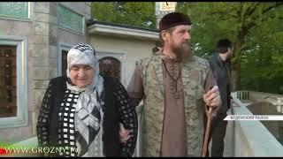 Рамзан Кадыров посетил зияраты в селении Эртана
