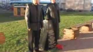 Русские националисты установили памятник десантникам